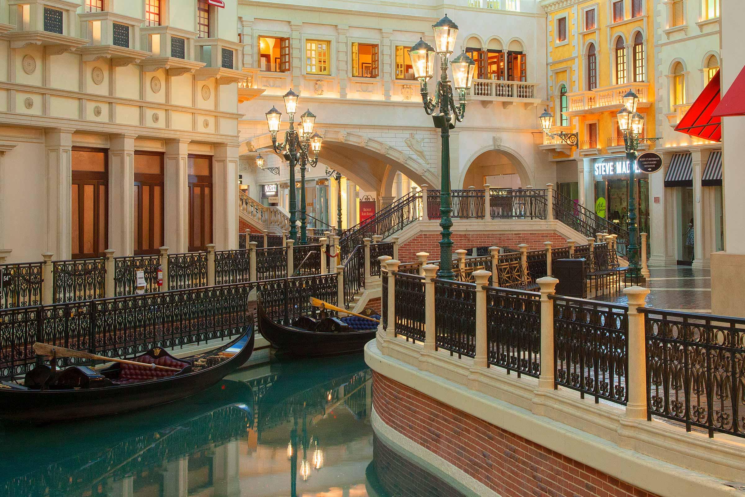 Las vegas venetian hotel and casino epiphone dot casino